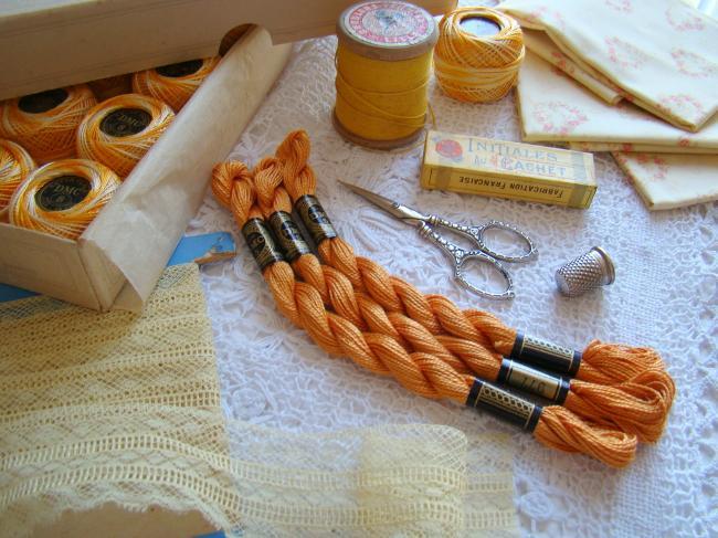 Echeveau coton perlé DMC, n°5 couleur Caramel  (nuance n°977)