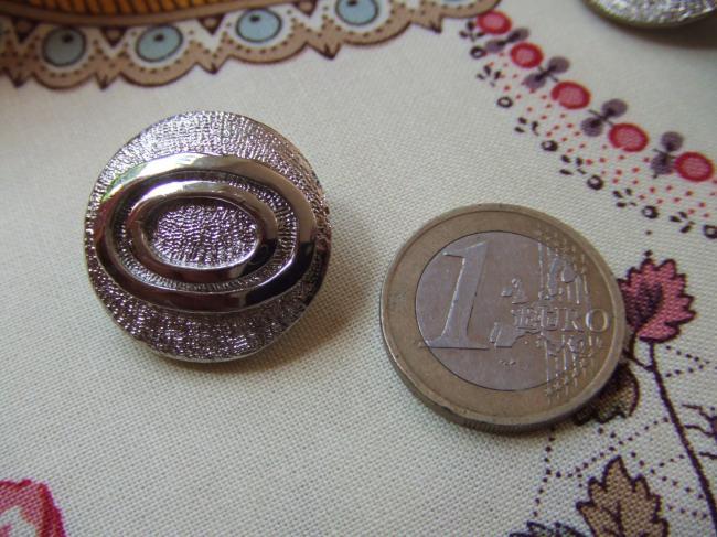 Très beaux boutons de créateur (Maurens) en module métal argenté (grd pied)