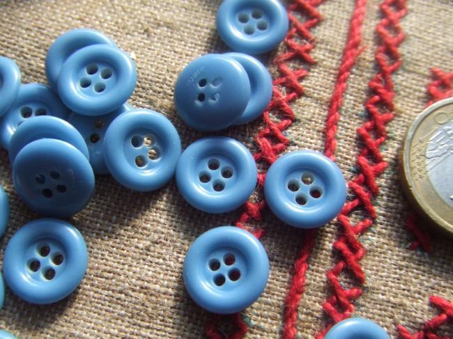 Lot de 30 petits boutons en celluloïd bleu clair à 4 trous en 12mm de diamètre