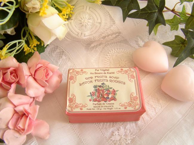 Adorable savon enveloppé parfumé aux fruits rouges, 100grs