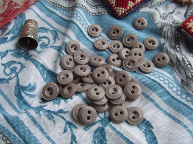 Lot de 6 petits boutons viennois en pate de verre, gris sable, 2 trous, 13mm