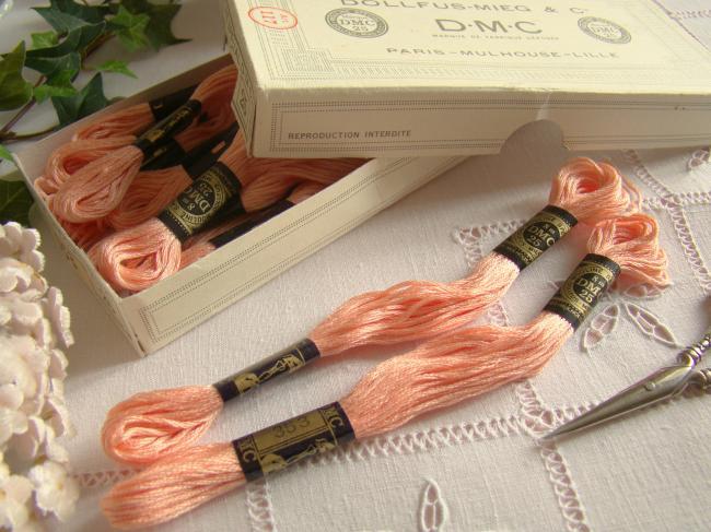 Echeveau Coton mouliné spécial DMC n°25, couleur 'Rose des Sables' N°353