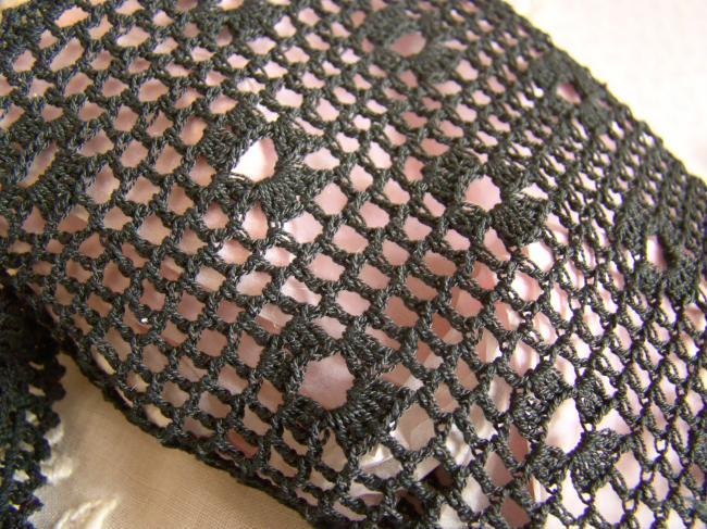 Très jolie paire de gants en crochet faits à la main, couleur noir, 1950