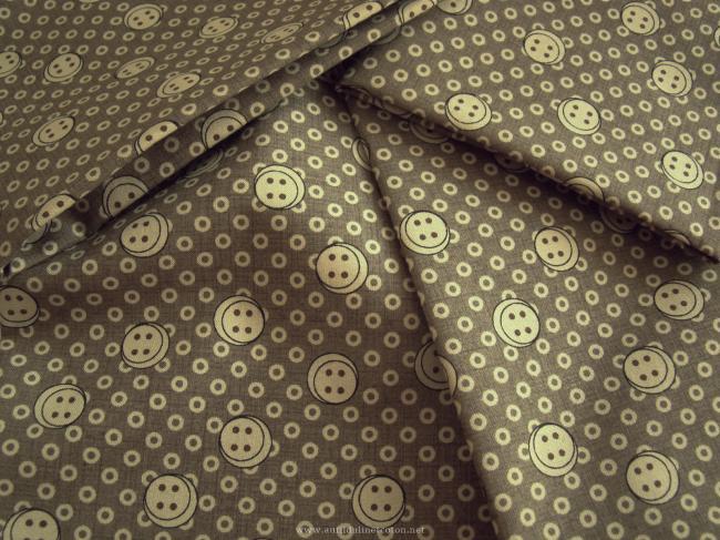 Coupon de coton à fond sable mouillé, impression petits boutons beiges (Moda)