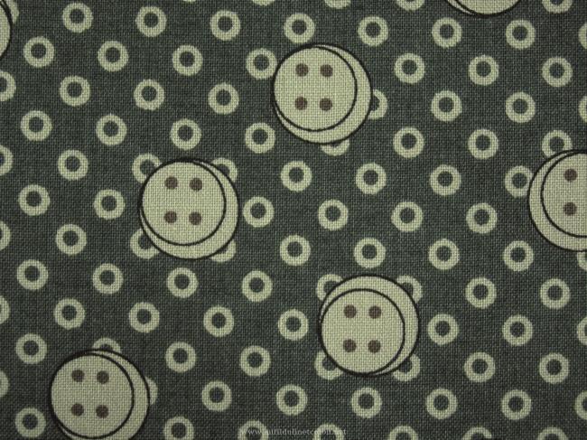 Coupon de coton à fond vert foncé, impression petits boutons beiges (Moda)
