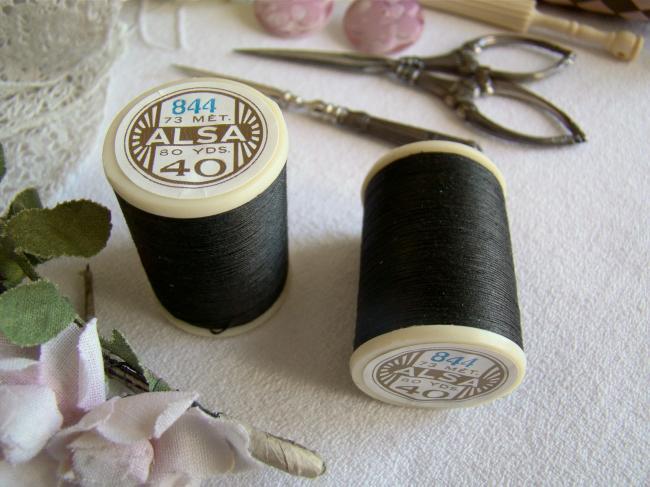 Adorable ancienne bobine de fils ALSA n°40 de DMC, n°844 Gris Poivre Noir