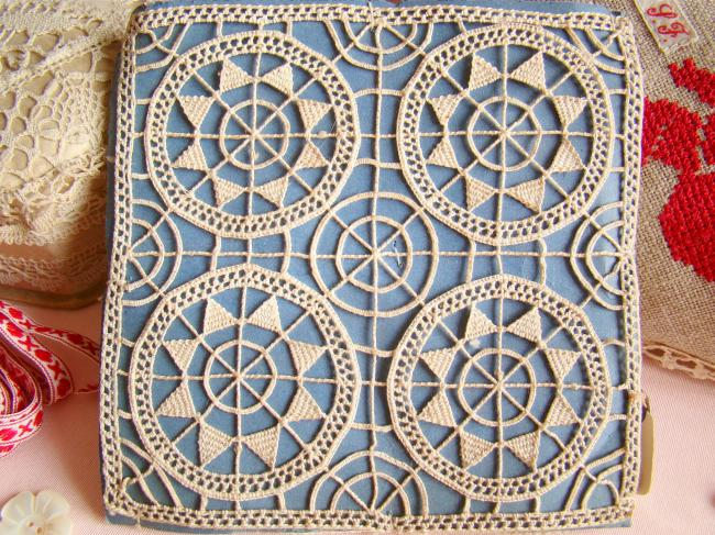 Motif carré en dentelle Reticella faite à l'aiguille,1900, 12 x 12 cm