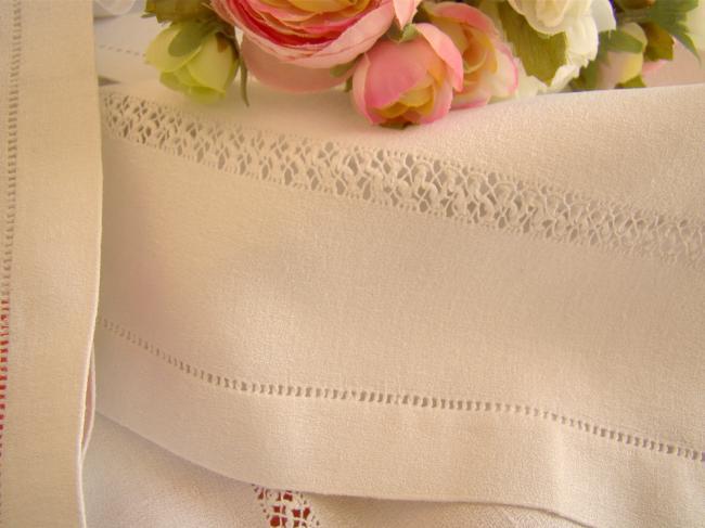 Belle série de 8 grandes serviettes en lin granité avec dentelle de Venise