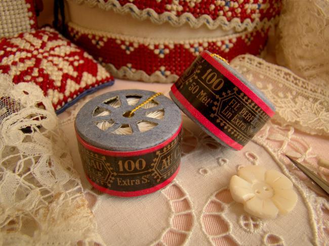 Adorable Bobine en capsule de fil de lin 'Au Chinois', couleur blanche en n°100