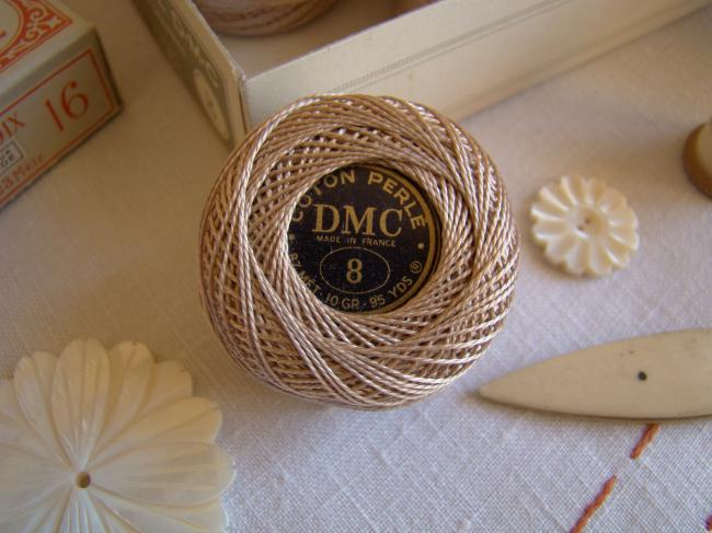 Ancienne Bobine de Coton perlé DMC, N°8, nuance 644 (chanvre), 10gr