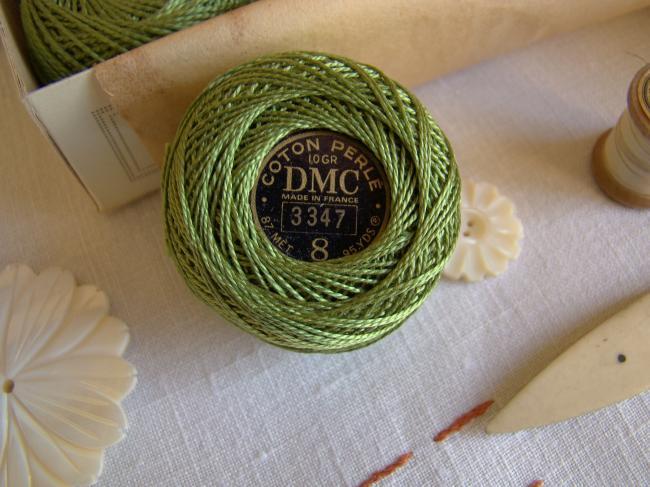 Ancienne Bobine de Coton perlé DMC, N°8, nuance 368 (vert Nil), 10gr