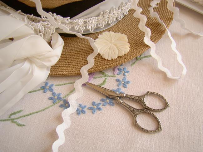 Joli ruban croquet ou serpentine en coton naturel blanc (10mm)