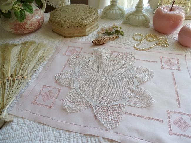 Joli napperon rosace en dentelle de crochet à la main vers 1940