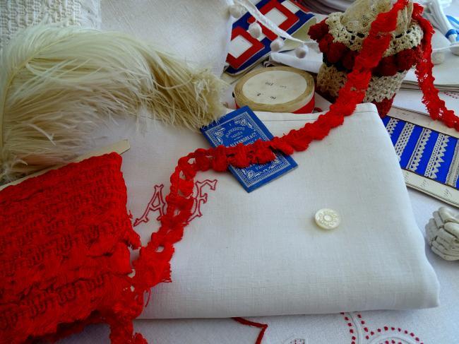 Ruban galon passementerie à giselle en coton rouge vif