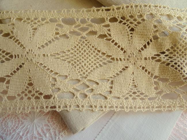 Belle & large dentelle d'entredeux en coton de couleur écrue Puy en Velay (95mm)