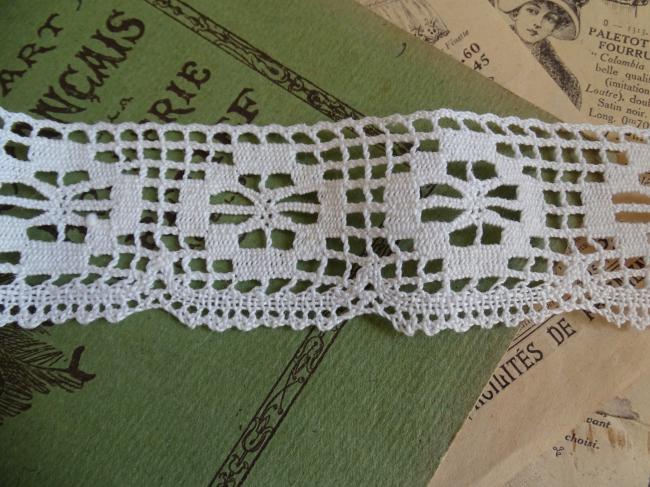 Coupon de dentelle à picots en coton de couleur blanche (1,80m x 45mm)