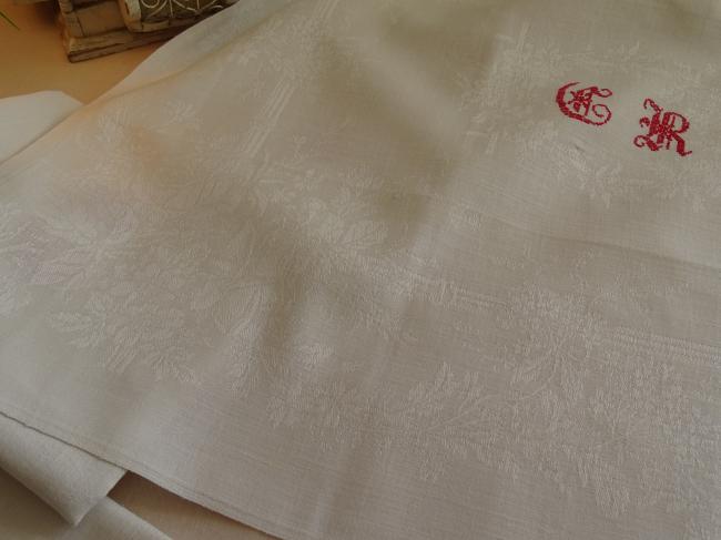 8 charmantes serviettes en damassé avec monogramme gothique CR ou TR