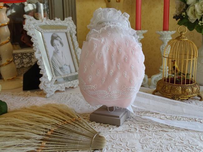 Merveilleuse coiffe ancienne de Tourangelle brodée de fleurs et dentelle 1880