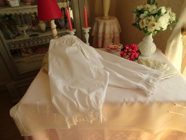 Romantique longue culotte panty fendue avec une jolie bordure dentelle