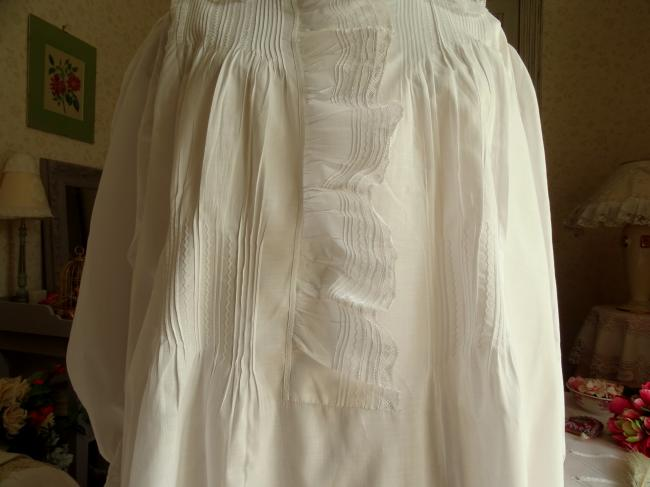 Belle chemise de nuit en batiste de lin avec dentelle & volants 1900