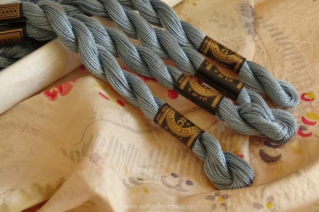 Echeveau coton perlé DMC, n°5 Mouette bleutée (nuance n°932)