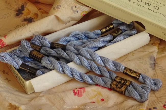 Echeveau coton perlé DMC, n°5 Bleu Layette (nuance n°794)