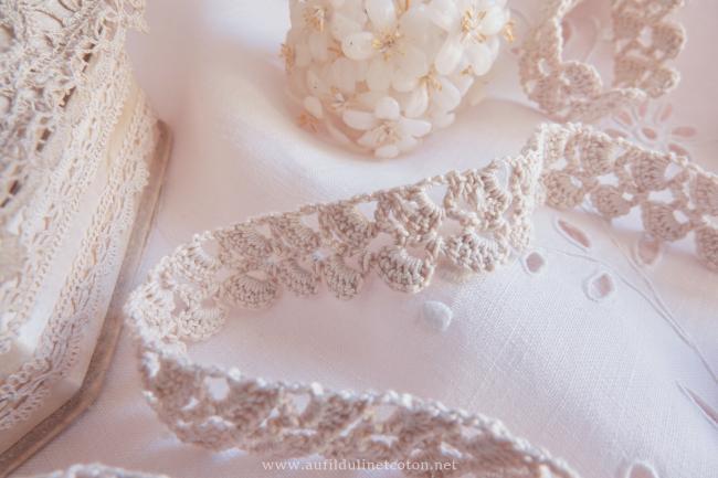 Très jolie bordure en dentelle de crochet 2,4m x 2,5cm
