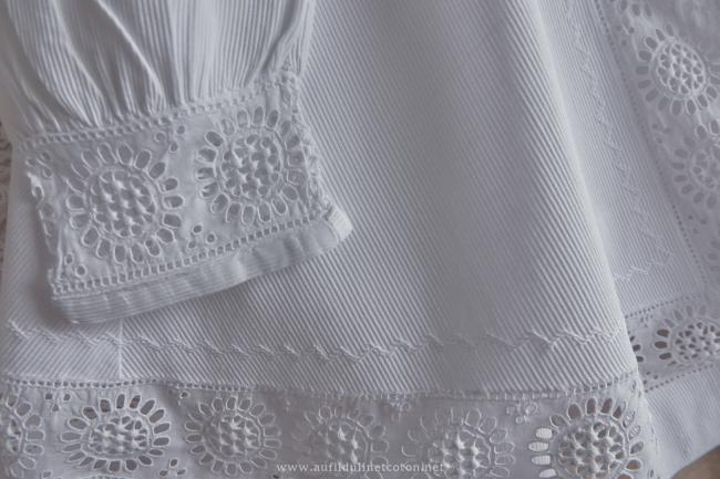 Merveilleux manteau capeline en piqué de coton et dentelle faite main 1890