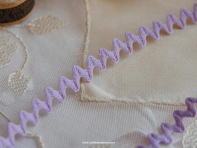 Très joli ancien galon croquet de couleur mauve en coton (8mm)