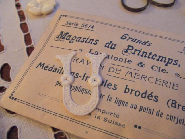 Superbe grande initiale U à intégrer à vos créations de couture 1900-20