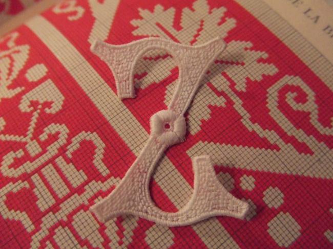 Superbe grande initiale Z à intégrer à vos créations de couture 1900-20