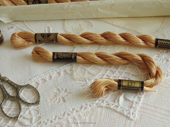 Echeveau coton perlé DMC, n°5  Camel (nuance n°437)