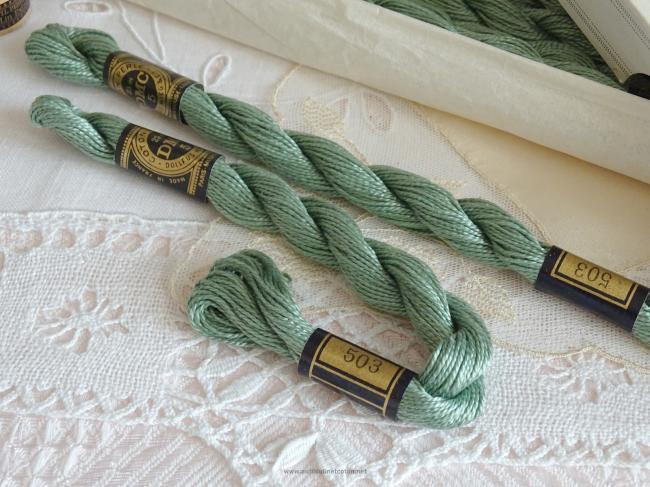 Echeveau coton perlé DMC, n°5 couleur Thym vert (nuance n°503)