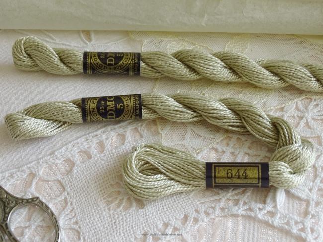 Echeveau coton perlé DMC, n°5 couleur Chanvre (nuance n°644)