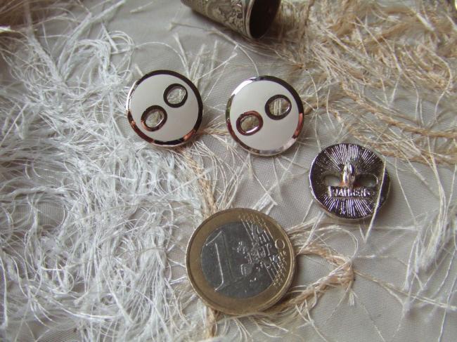 Bouton de créateur (Maurens) en module métal et emaillé blanc style Courréges