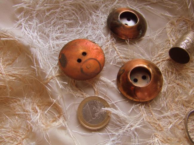 Grand Bouton de créateur en module avec puits, couleur cuivre vieilli