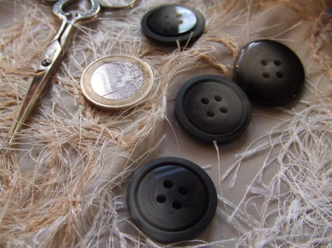 Lot de 4 boutons en imitation corne, centre brillant, nuance gris clair à foncé